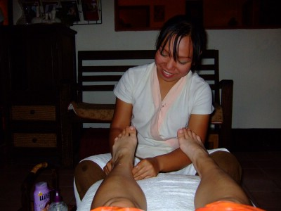 45thai-massage2.JPG