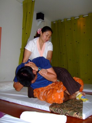 45thai-massage3.JPG