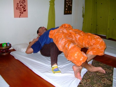 45thai-massage4.JPG