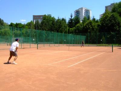 ro-tennis2.JPG